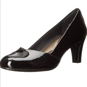 NEW! EASY SPIRIT Black Patent Leather Heels